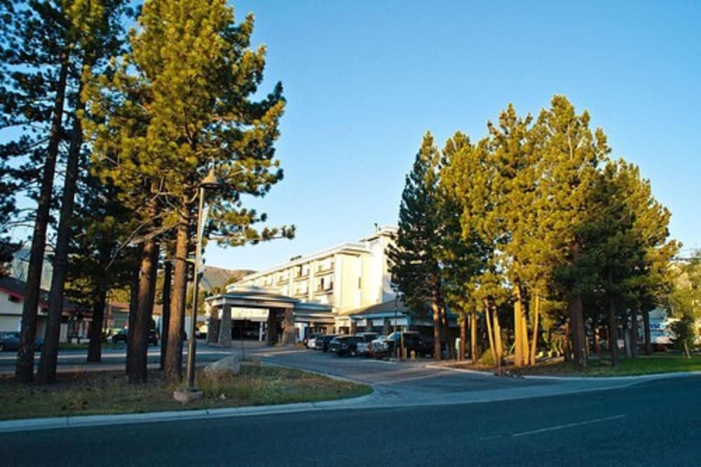 Exterior, Shilo Inn Suites - Mammoth Lakes