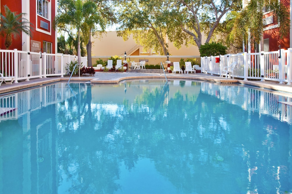 Pool, Holiday Inn Express & Suites Bradenton West, an IHG Hotel