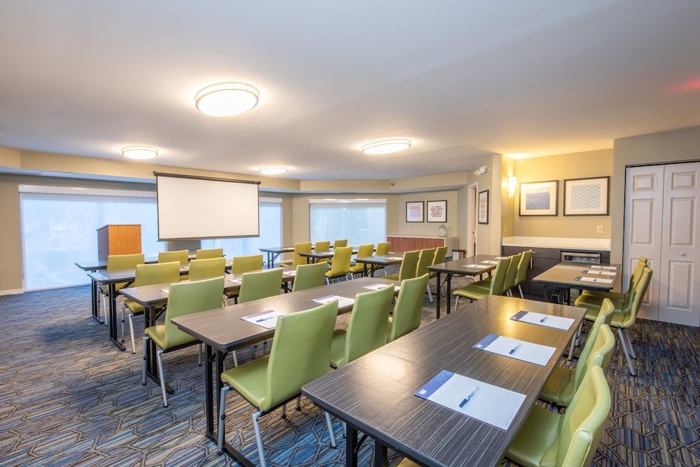 Meeting Facility, Holiday Inn Express & Suites Bradenton West, an IHG Hotel