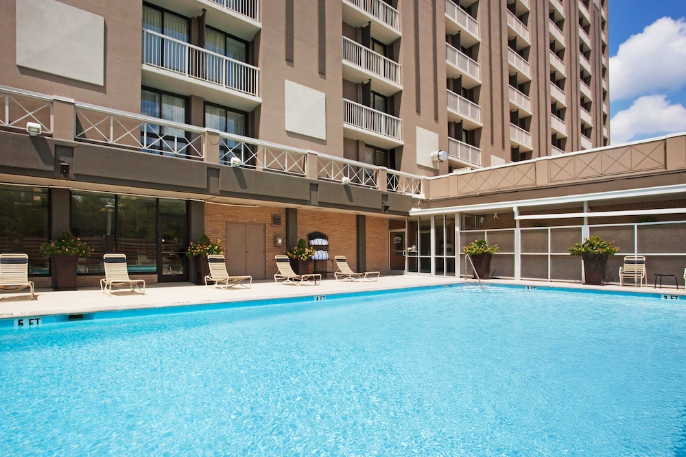 Terrace/Patio, Holiday Inn Nashville - Vanderbilt - Dwtn