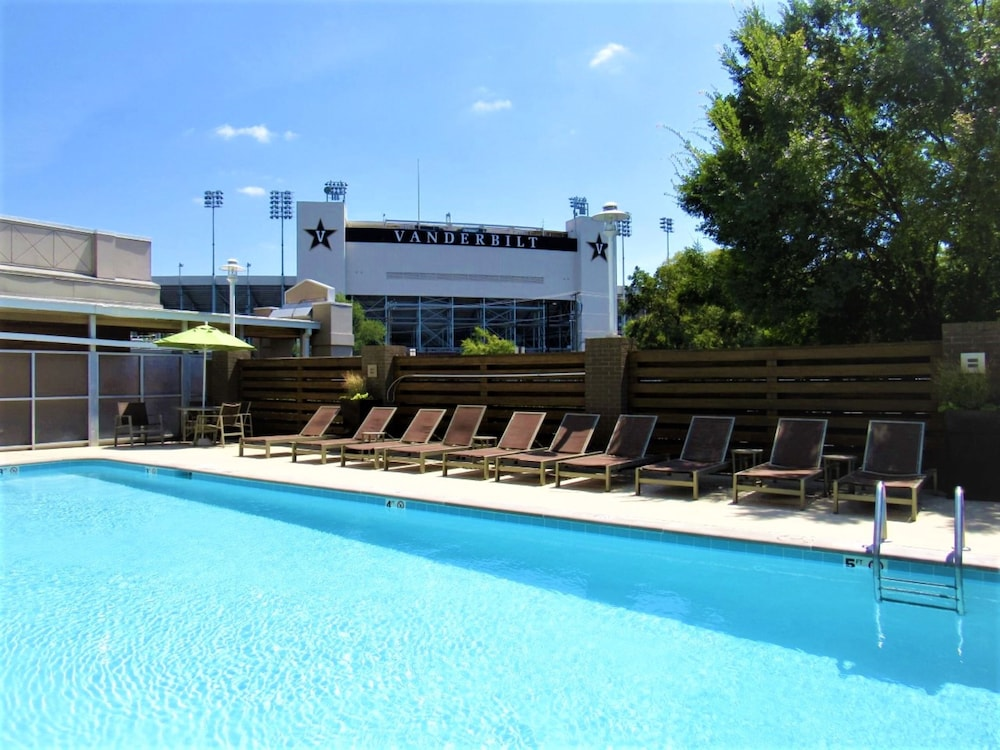 Pool, Holiday Inn Nashville - Vanderbilt - Dwtn