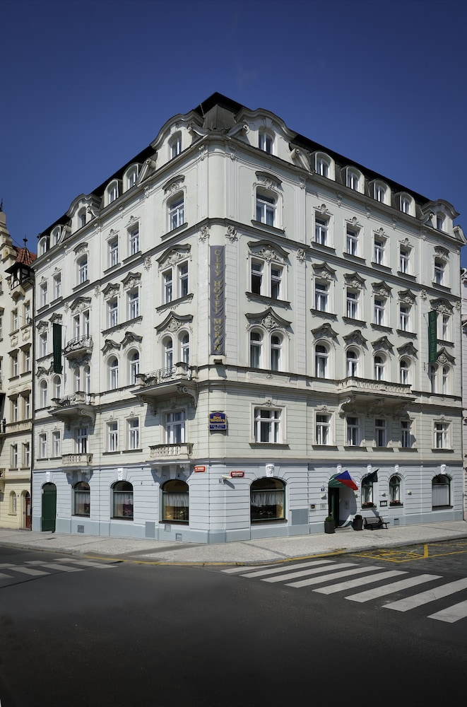 Book best western city hotel moran prague hotel deals for Hotels in prague city centre
