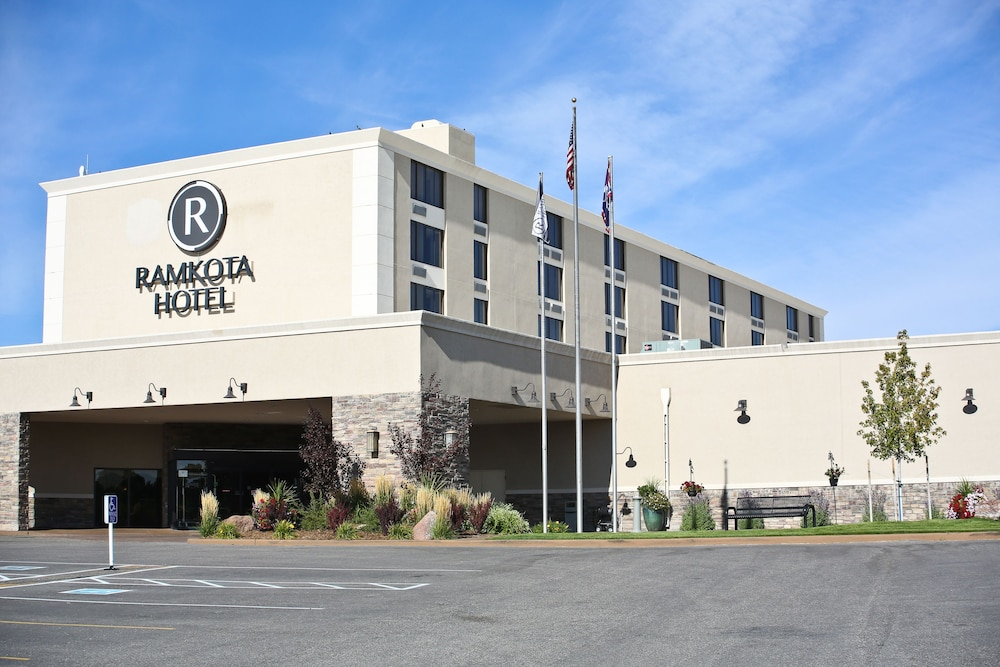 Front of Property, Ramkota Hotel & Conference Center