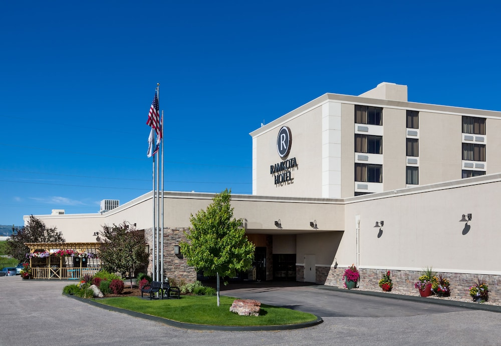 Featured Image, Ramkota Hotel & Conference Center