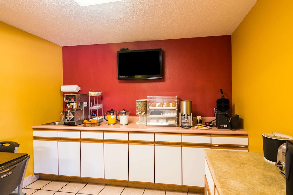 Breakfast Area, Econo Lodge Dumas