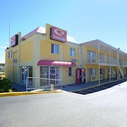 Econo Lodge at Military Circle