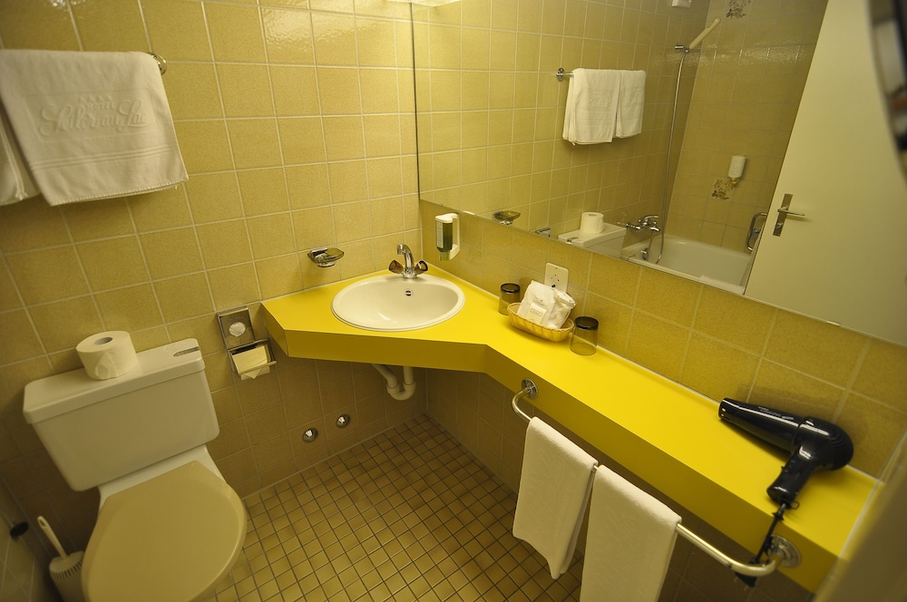 Bathroom, Seiler au Lac