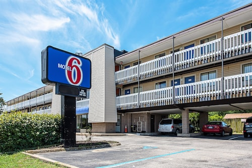 Motel 6 Norfolk - Oceanview