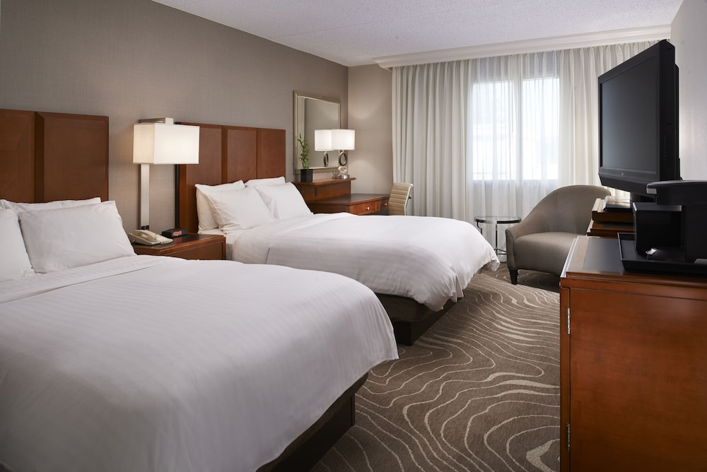 Room, Detroit Metro Airport Marriott