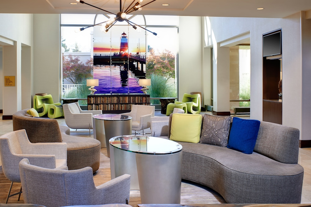 Lobby Sitting Area, Detroit Metro Airport Marriott