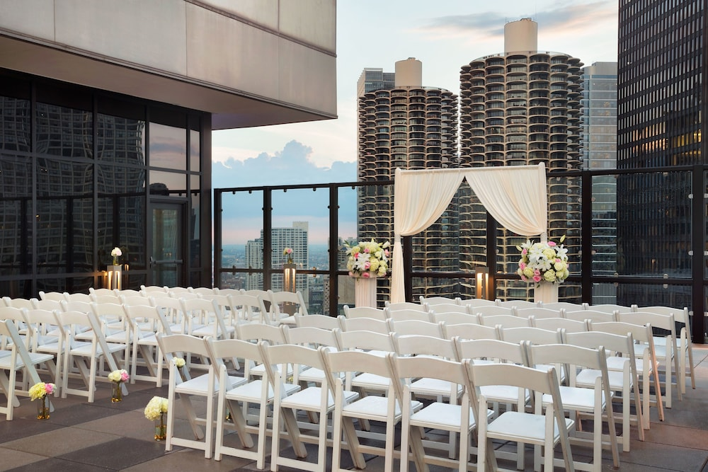 Outdoor Wedding Area, Royal Sonesta Chicago Riverfront