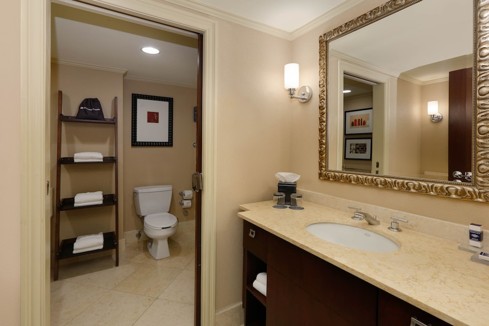 Bathroom, Royal Sonesta Chicago Riverfront