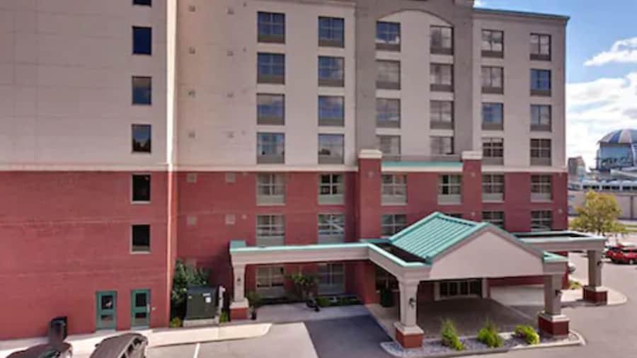 Country Inn & Suites by Radisson, Niagara Falls, ON