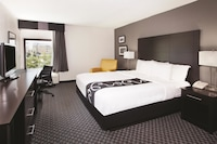 Executive Room, 1 King Bed, Marina View