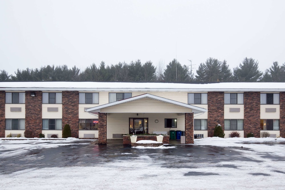 Econo Lodge in Wausau | Hotel Rates & Reviews on Orbitz