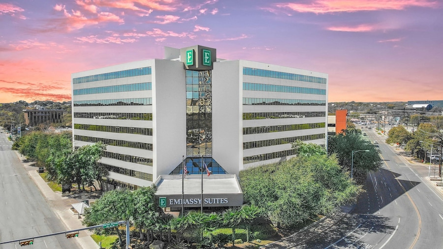 Embassy Suites by Hilton Austin Downtown South Congress