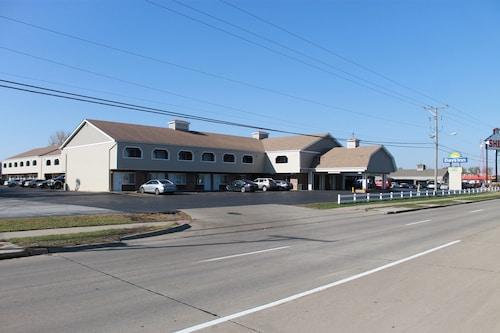 Great Place to stay Days Inn by Wyndham Davenport IA near Davenport