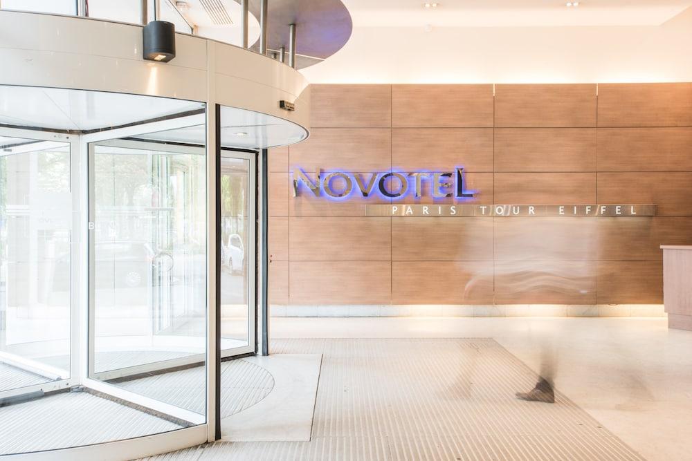 Novotel paris centre tour eiffel reviews photos rates for Piscine novotel tour eiffel