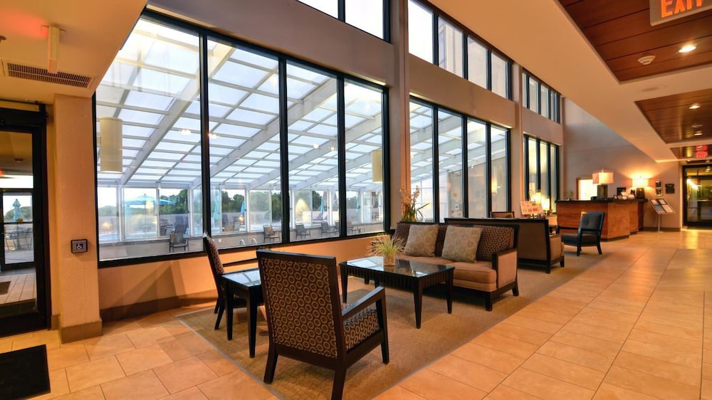 Lobby, Shell Island Resort - All Oceanfront Suites