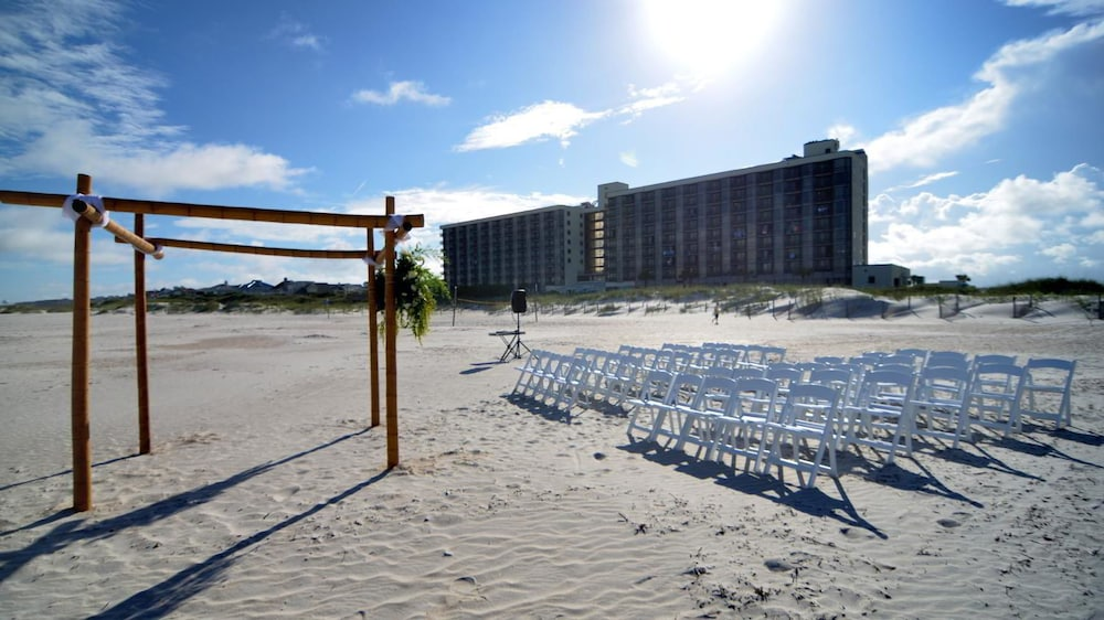 Outdoor Wedding Area, Shell Island Resort - All Oceanfront Suites