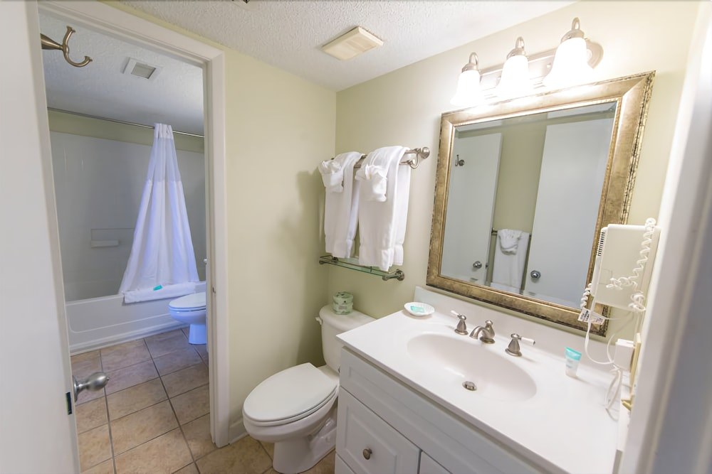 Bathroom, Shell Island Resort - All Oceanfront Suites