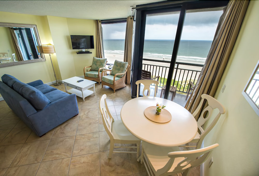 Living Area, Shell Island Resort - All Oceanfront Suites