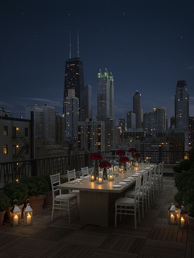 Public chicago deals reviews chicago usa wotif for Chicago resorts