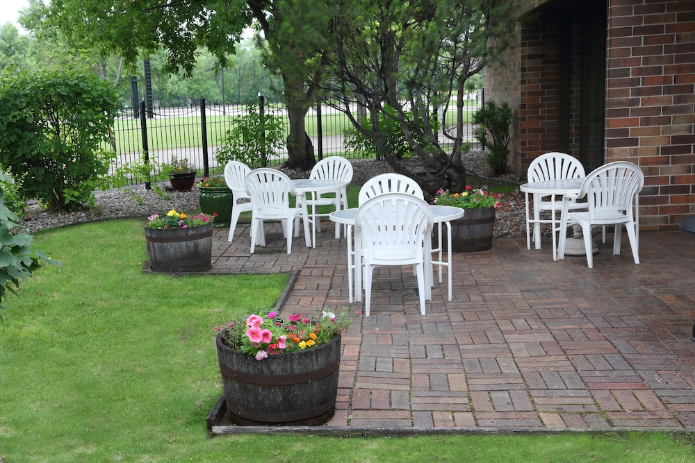 Terrace/Patio, Townhouse Hotel Grand Forks