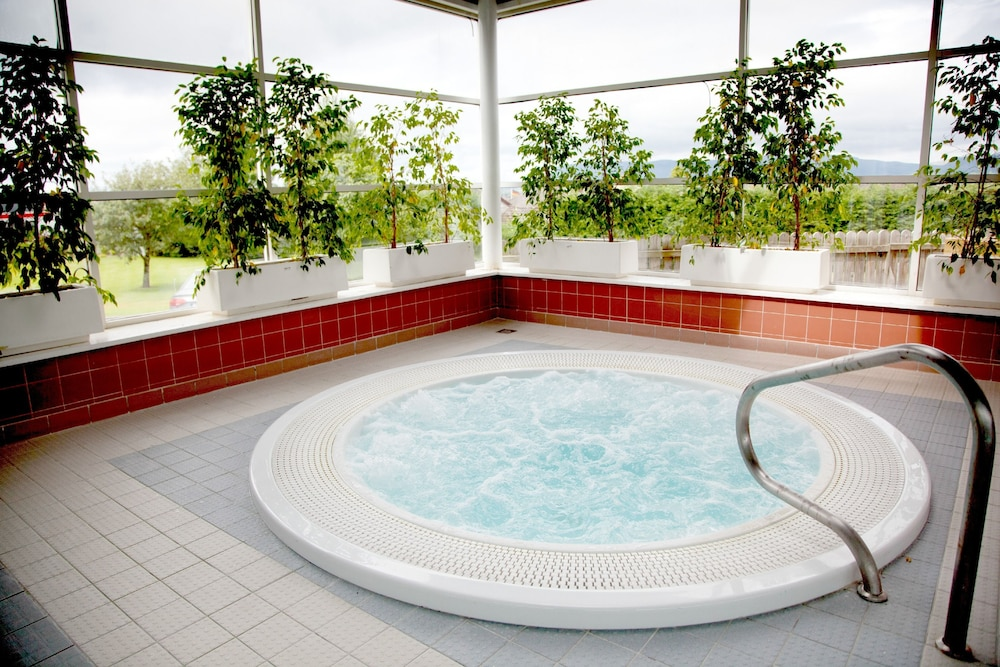 Indoor Spa Tub, Sligo Park Hotel & Leisure Club