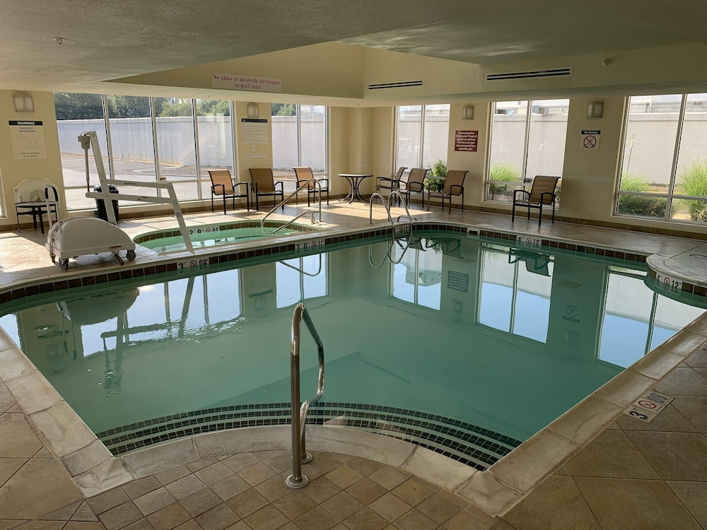 Indoor Pool, Sheraton Louisville Riverside Hotel