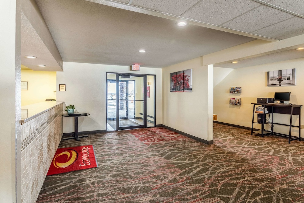 Econo Lodge in Ithaca | Hotel Rates & Reviews on Orbitz