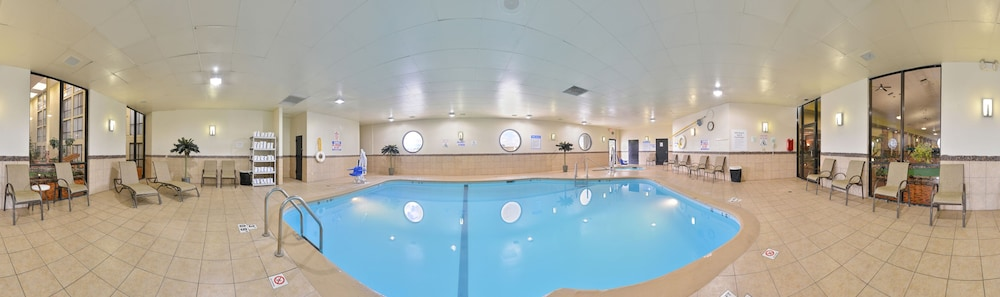 Indoor Pool, Holiday Inn Sheridan-Convention Center