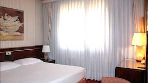 이집트산 면 시트, 메모리폼 소재 침대, 미니바, 객실 내 금고