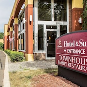 Clarion Hotel & Suites Hamden-New Haven
