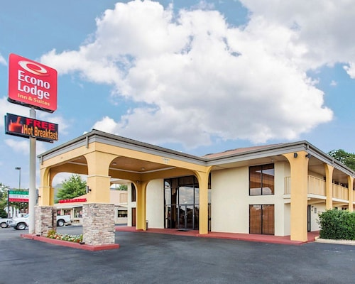 Great Place to stay Econo Lodge Inn & Suites near Griffin
