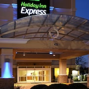 Holiday Inn Express Hampton - Coliseum Central