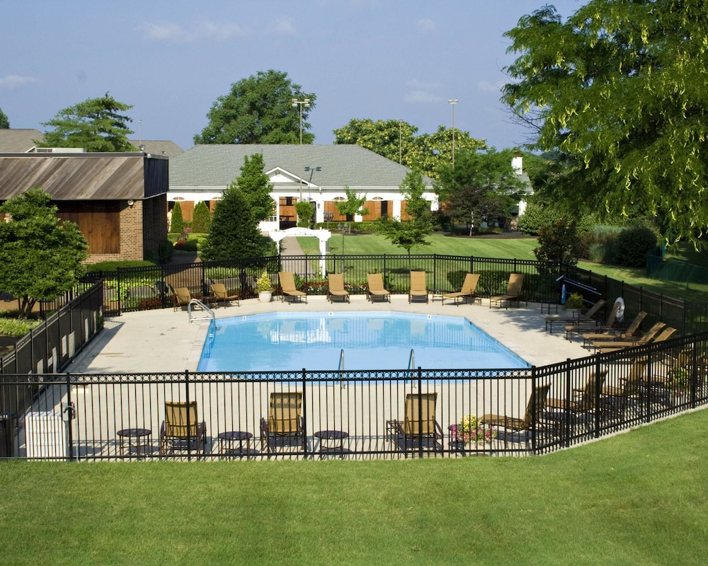 Outdoor Pool, Millennium Maxwell House Nashville