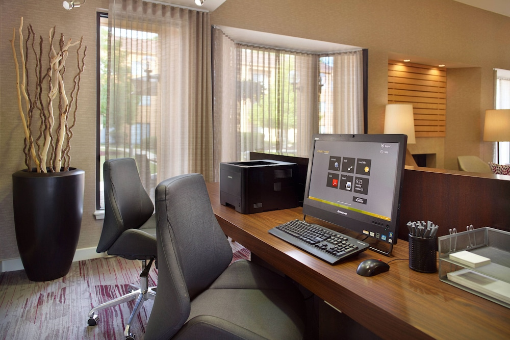 Business Center, Courtyard by Marriott Fayetteville
