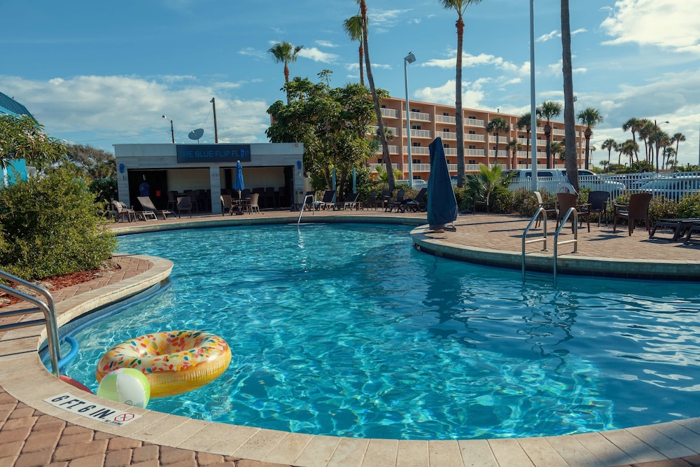 Outdoor Pool, Best Western Cocoa Beach Hotel & Suites