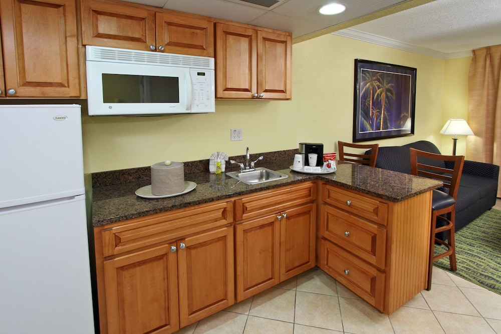In-Room Dining, Best Western Cocoa Beach Hotel & Suites