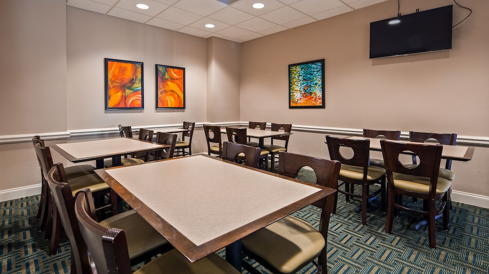 Breakfast Area, Best Western Cocoa Beach Hotel & Suites