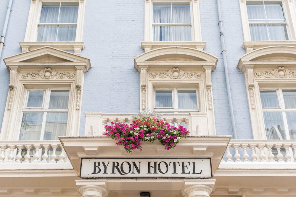 Byron hotel london reviews photos rates for 36 38 queensborough terrace