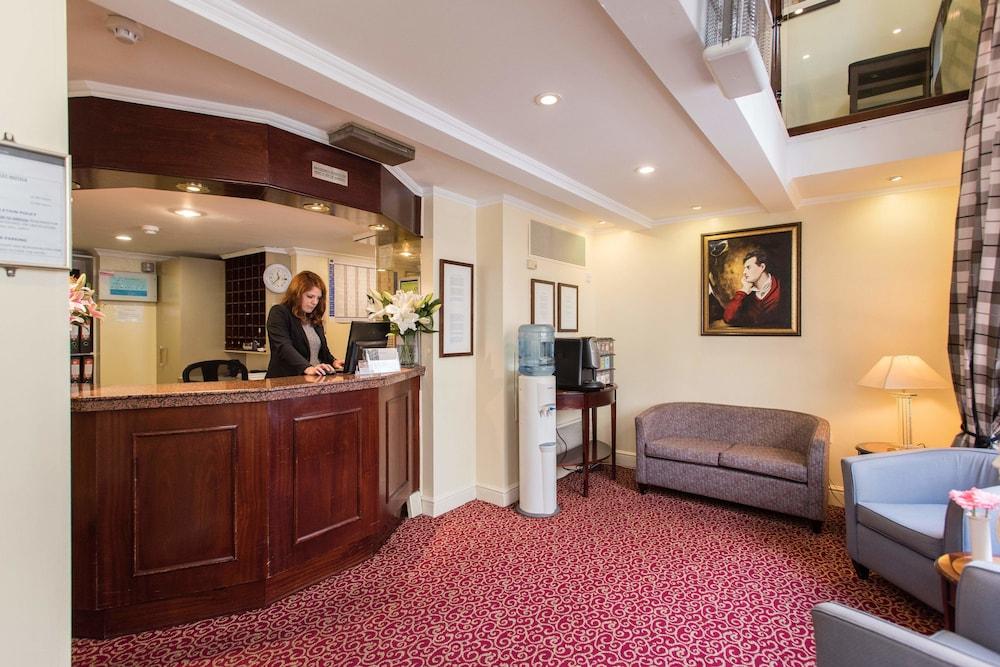 Byron hotel london deals reviews london gbr wotif for 36 38 queensborough terrace