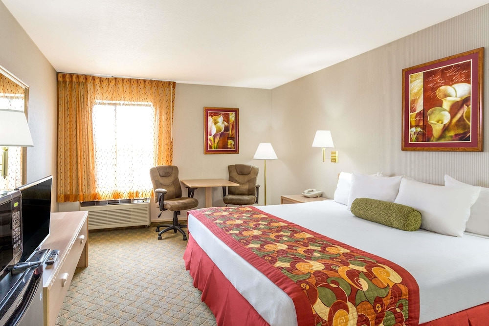 Room, Ramada by Wyndham Salt Lake City