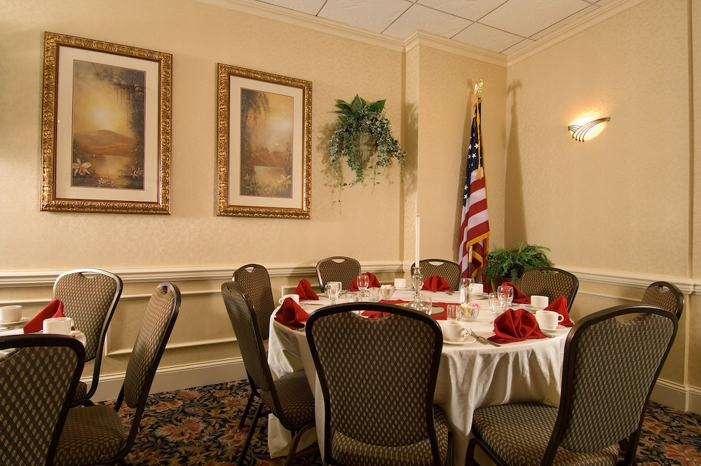 Banquet Hall, Delta Hotels by Marriott Utica