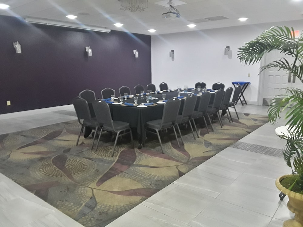 Meeting Facility, Clarion Inn & Suites Across From Universal Orlando Resort