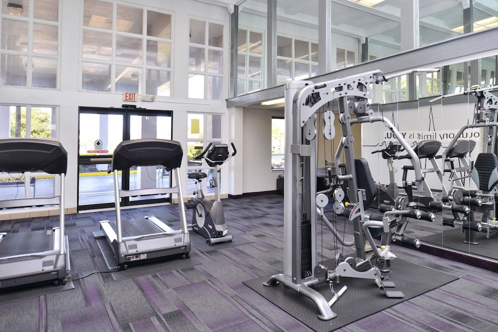 Fitness Facility, Clarion Inn & Suites Across From Universal Orlando Resort