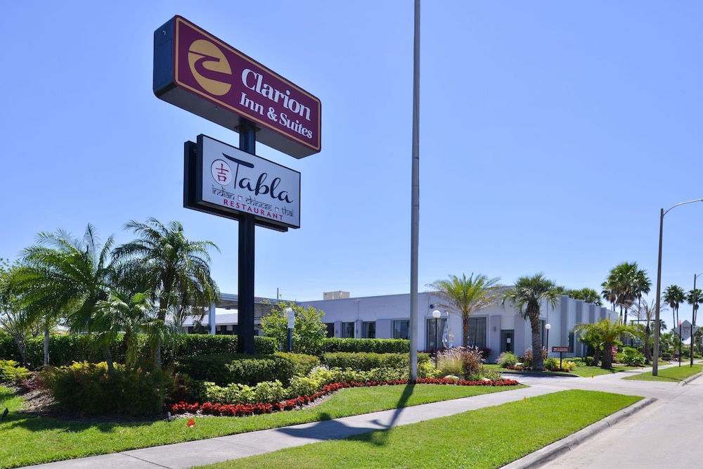 Exterior, Clarion Inn & Suites Across From Universal Orlando Resort