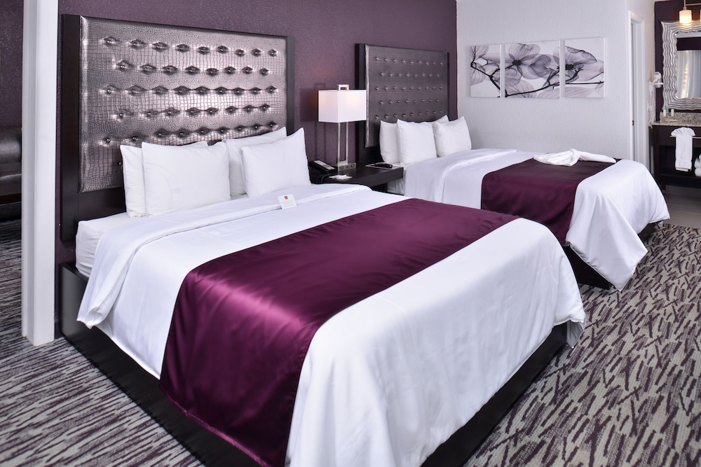 Room, Clarion Inn & Suites Across From Universal Orlando Resort