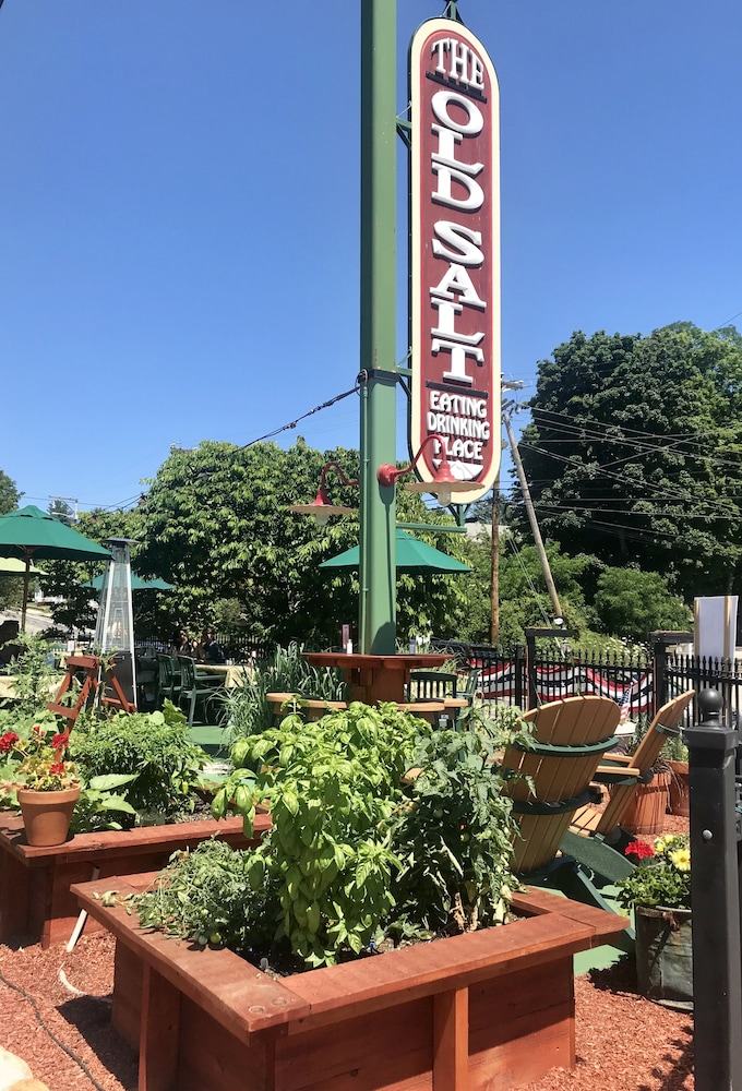 Garden, Lamie's Inn and The Old Salt Restaurant